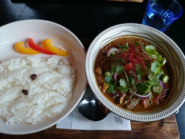 香菜(パクチー)とマスタード・タミルスパイス