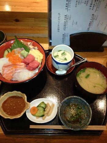 塚本鮮魚店 特上海鮮丼