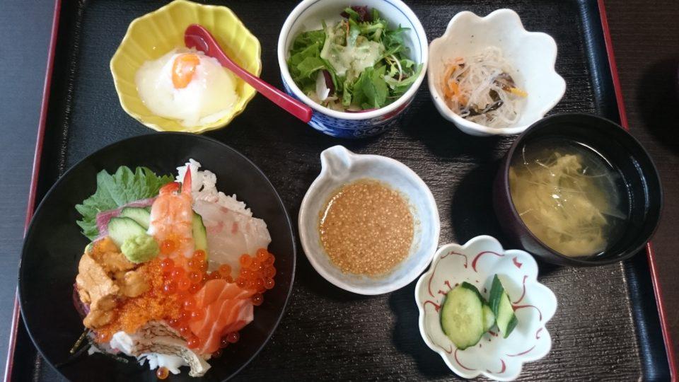 食処はる 澤の家糸島店 海鮮丼
