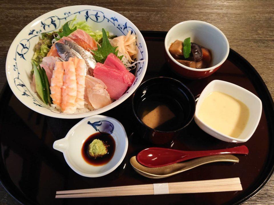 おくまつ 海鮮丼
