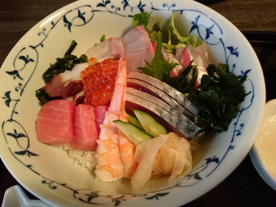 おくまつ 海鮮丼ランチ