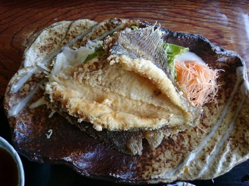 魚庄 ランチ カレイの唐揚げ