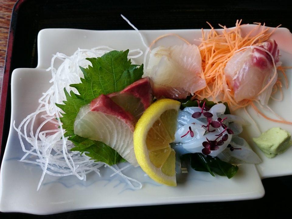 魚庄 ランチ 刺身