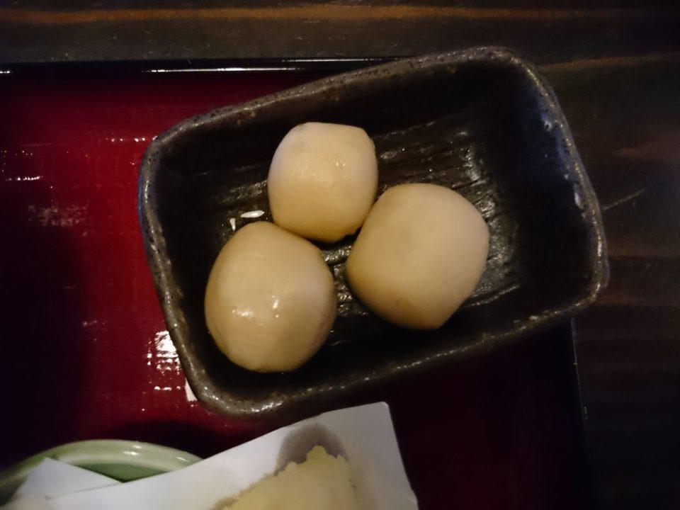 重留 おおいり 海鮮丼定食の里芋