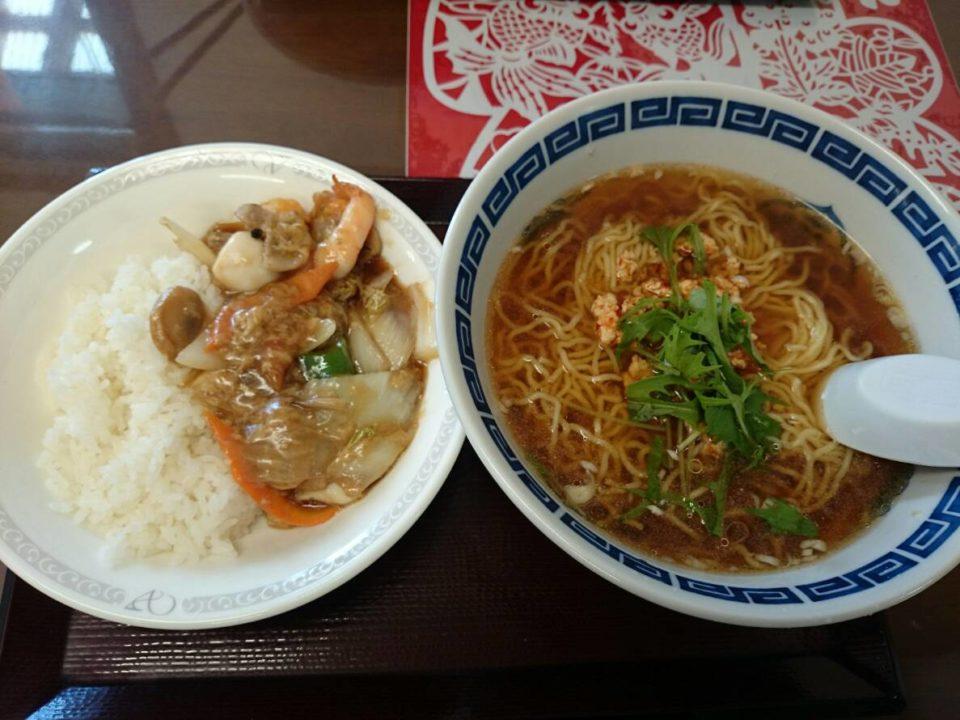 台湾ラーメンと中華丼