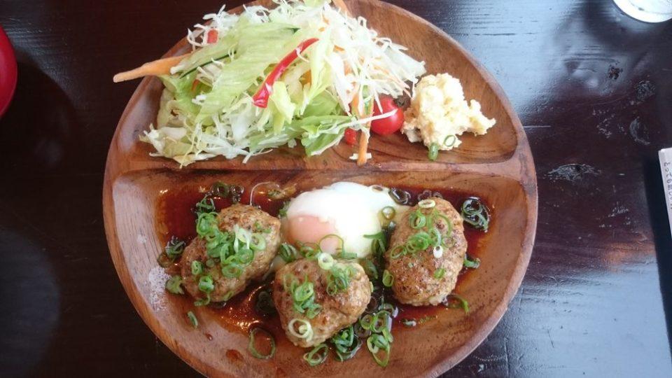 チャンプカフェ糸島 東京エックスと鶏のつくねバーグ アップ画像