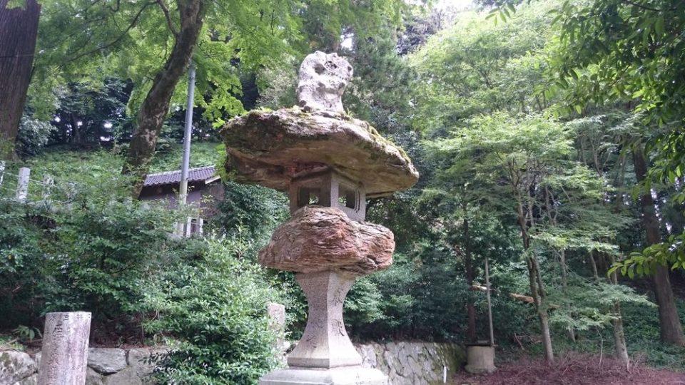 雷神社 灯籠