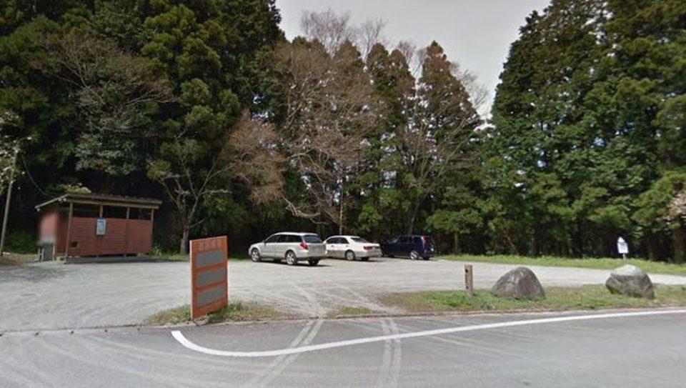 雷神社 駐車場