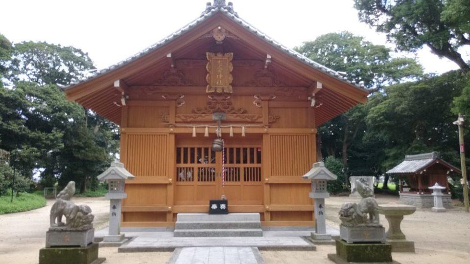 志登神社 拝殿