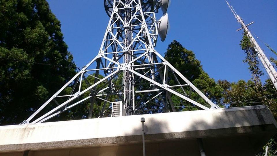 火山 鉄塔