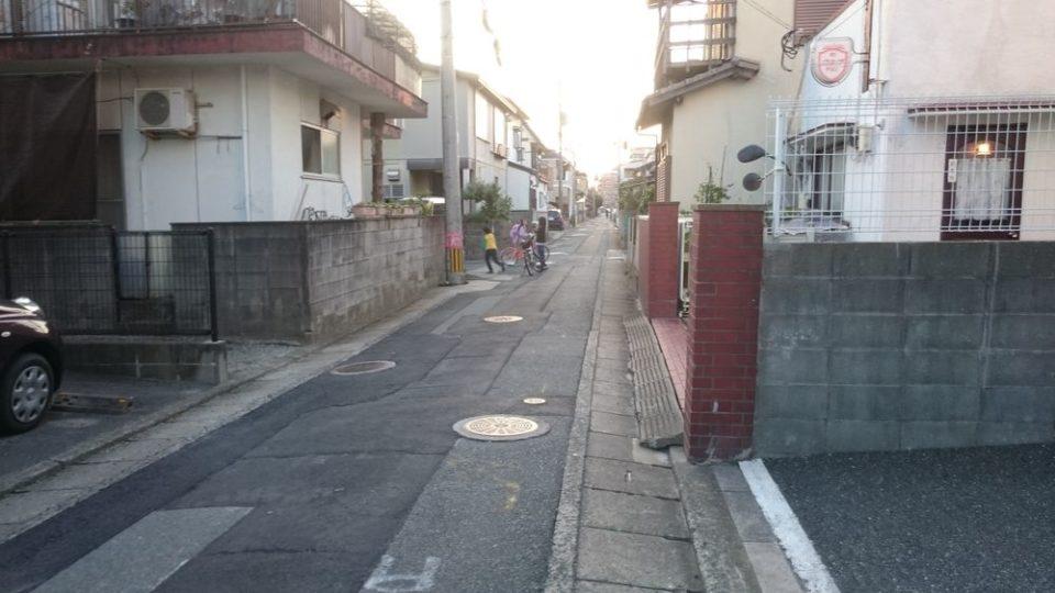 浜田鮮魚店 ここを左折
