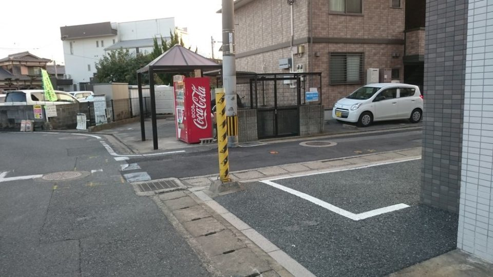 浜田鮮魚店 ここを右折