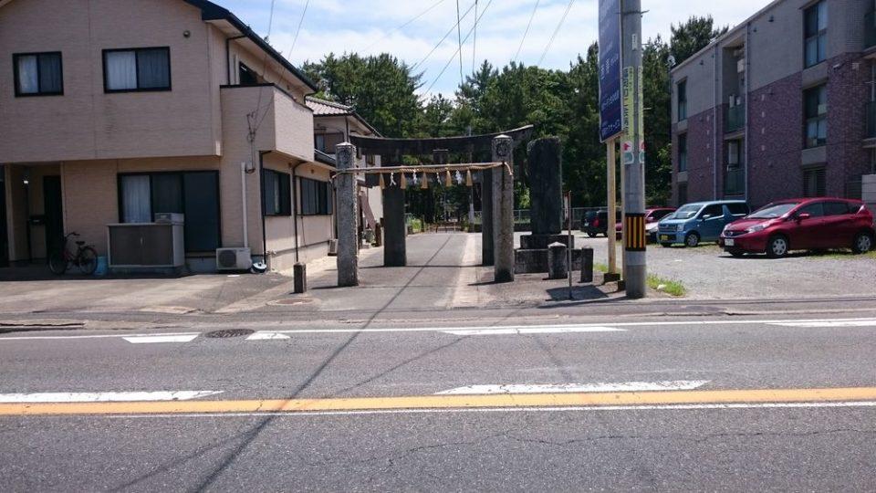 生の松原 道路を渡って壱岐神社