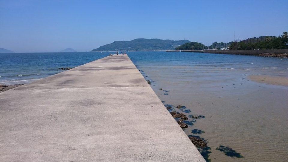 生の松原 小戸近くの海岸