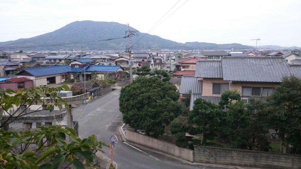 加布里天満宮から可也山を望む
