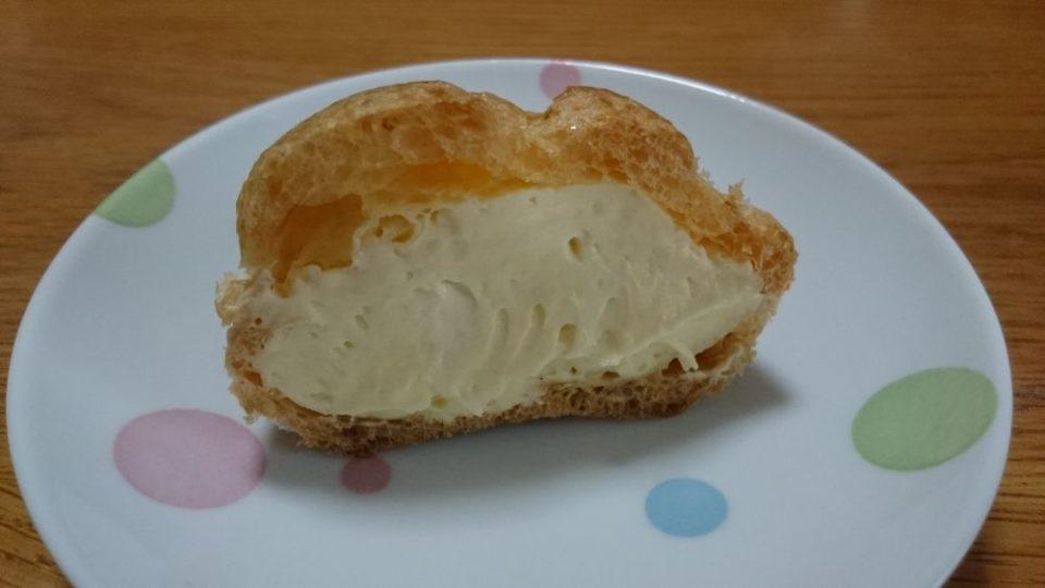 ケーキハウストミタ シュークリーム断面