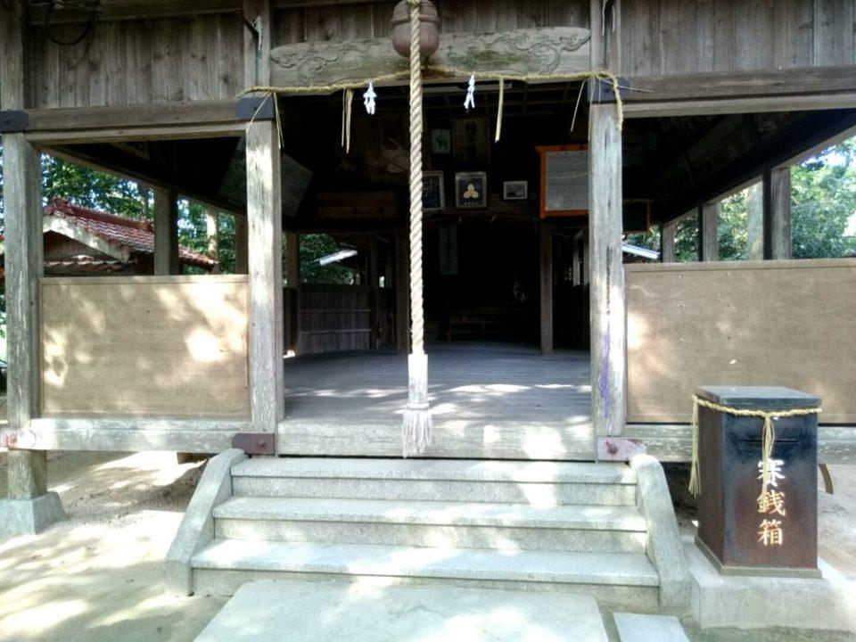雉琴神社 拝殿