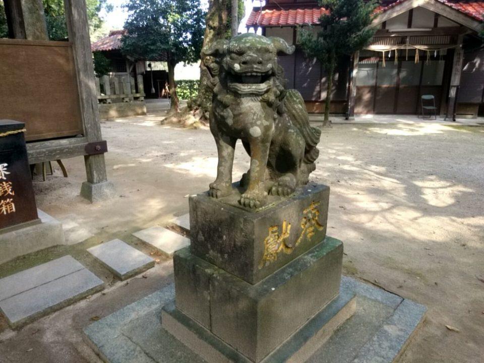 雉琴神社 狛犬阿像