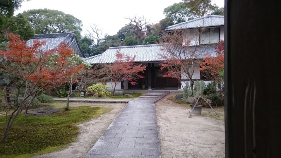 オオカミの口 姪浜 興徳寺の内部