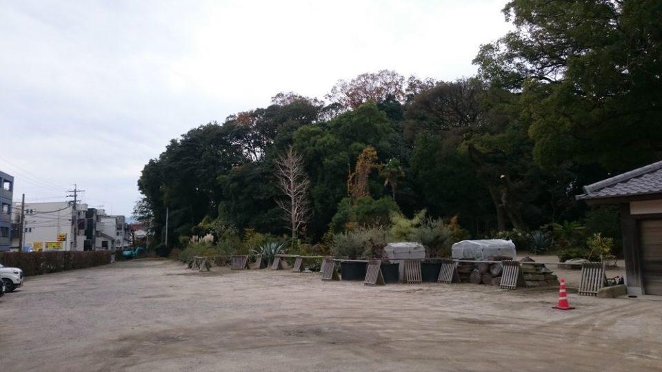 オオカミの口 姪浜 興徳寺の駐車場