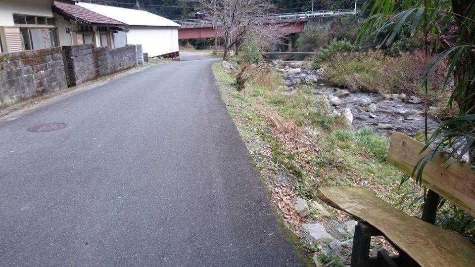 蕎波人(そばんど)前の道
