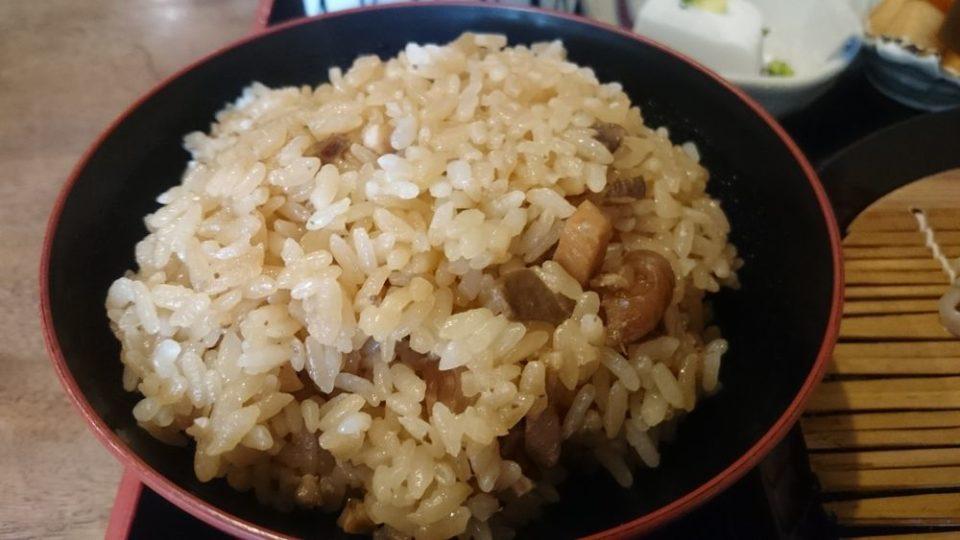 蕎波人(そばんど)かしわご飯