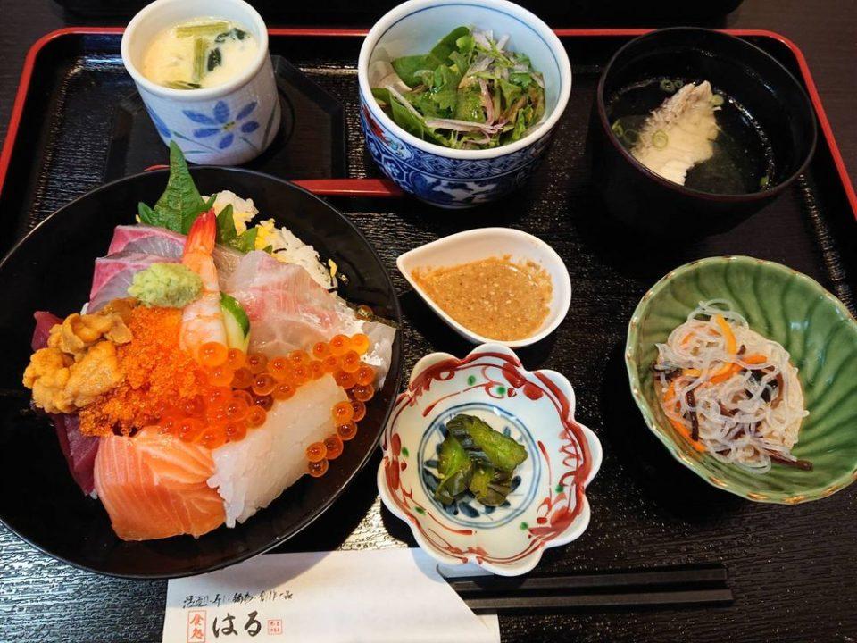食処はる澤の家糸島店 海鮮丼定食