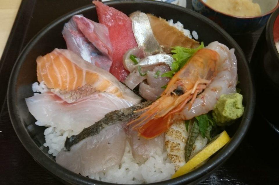 天国食堂 海鮮丼のアップ