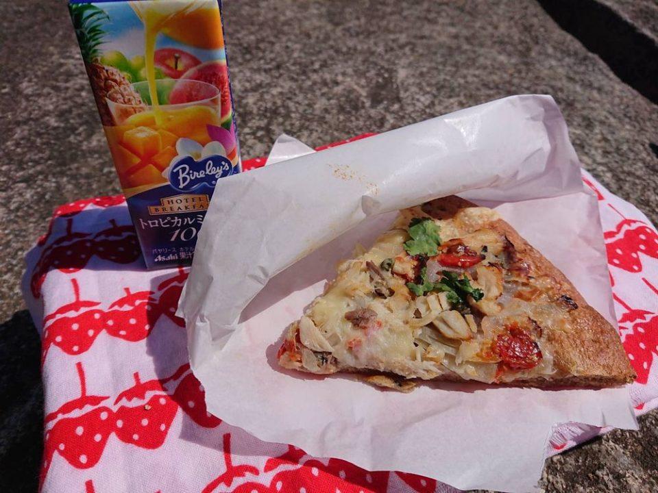 ブルージャム サバとパクチーのピザ