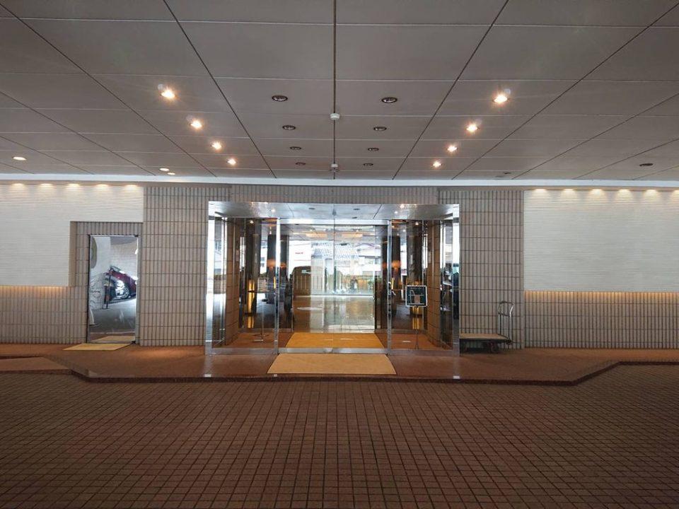 千草ホテル レストラン 入口