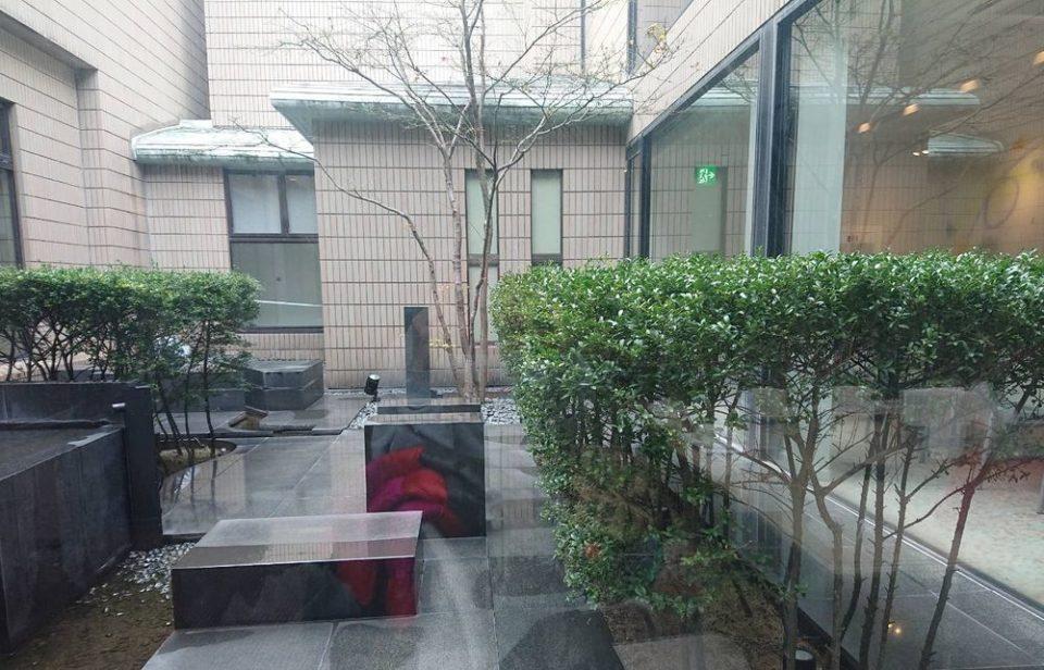 千草ホテル レストラン 中庭