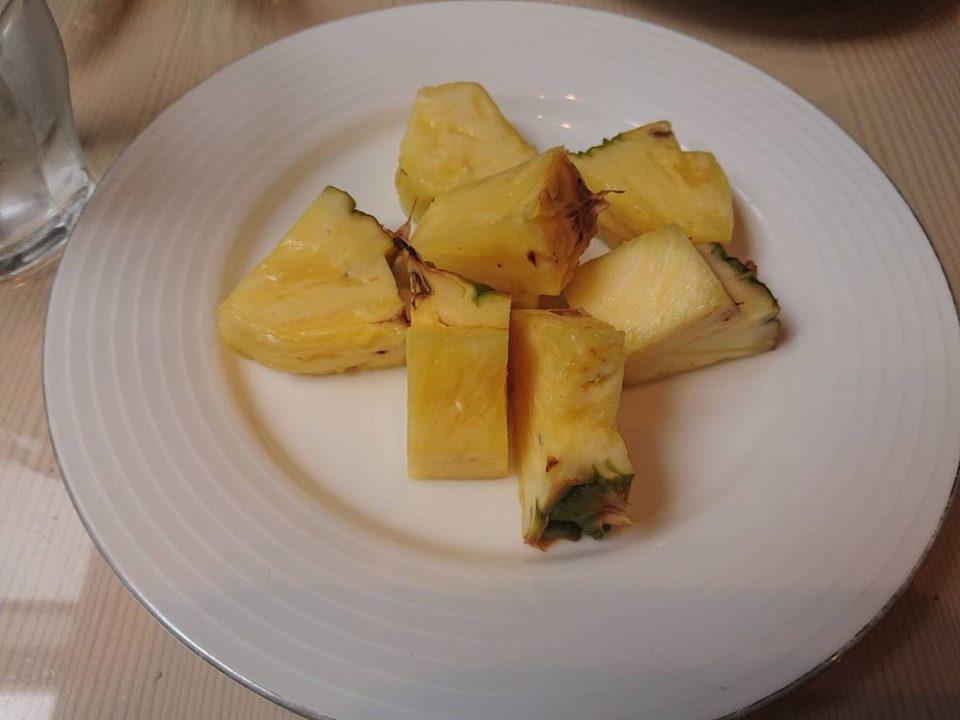 千草ホテル レストランパイナップル
